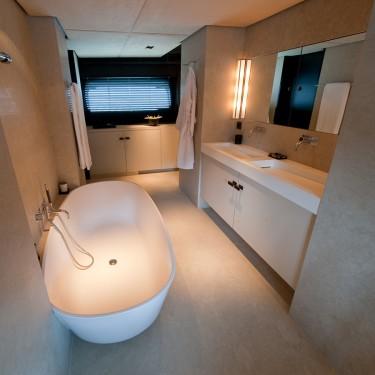 Latitude Yacht Charter & Charter